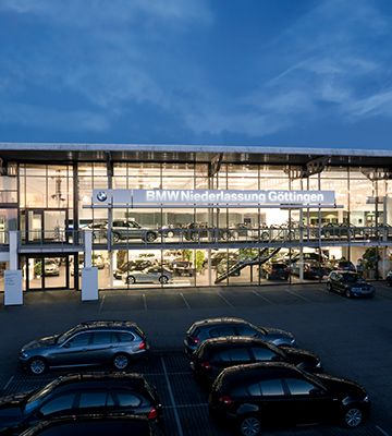 Bmw Group Careers School Pupils Apprenticeship And Study Locations Göttingen Bmw And Mini Retail Center